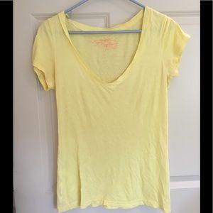 American Eagle yellow t shirt